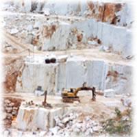Yacimiento de Mármol de Carrara ubicado en las cercanías de la localidad de Carrara – Italia (Año 1994)